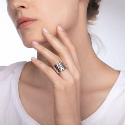 BAGUE MAUBOUSSIN KIFF AND KISS EN ARGENT ETOILE OR ET DIAMANTS